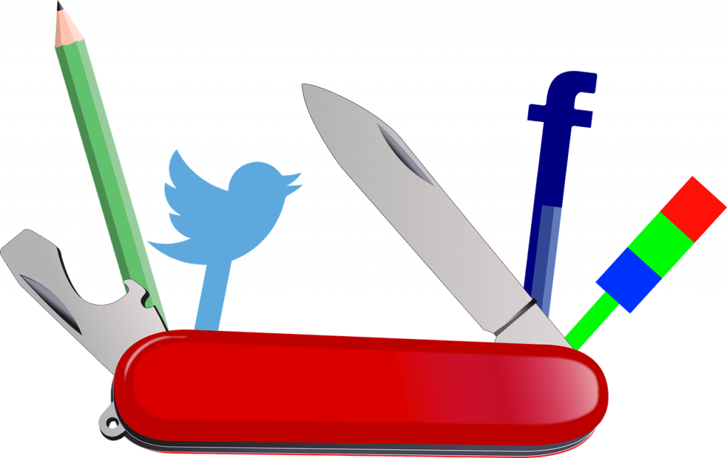 What Is It Necessary to Take into Account in a Social Media Management Tool?