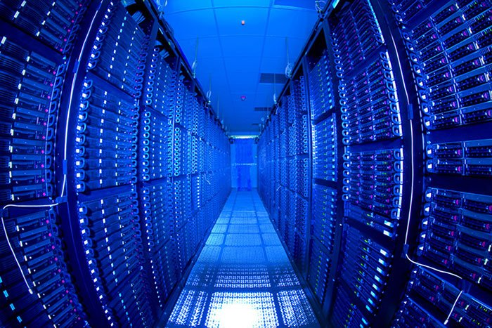Outsourcing Data Storages: a Blissful Relief or Security Nightmare?